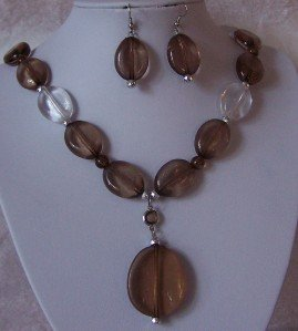 SMOKY GRAY BLACK CLEAR LUCITE NECKLACE SET
