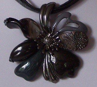 CHUNKY BLACK GRAY GREY FLOWER FLORAL NECKLACE SET