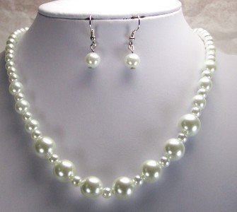WHITE GLASS FAUX PEARL NECKLACE SET