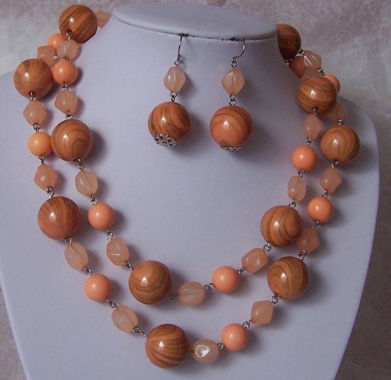 Orange Swirl Bead Necklace Set