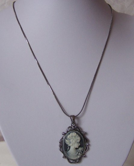 Black Lady Cameo Crystal Necklace