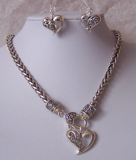 Filigree Valentines Day Heart Love Necklace Set