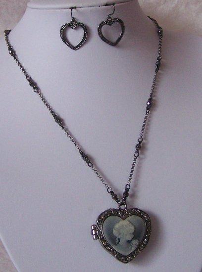 Black Gray Grey Lady Cameo Heart Love Photo Locket Necklace Set