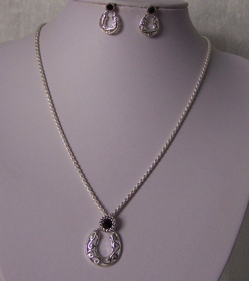 Western Filigree Black Horseshoe Horse Shoe Necklace Set