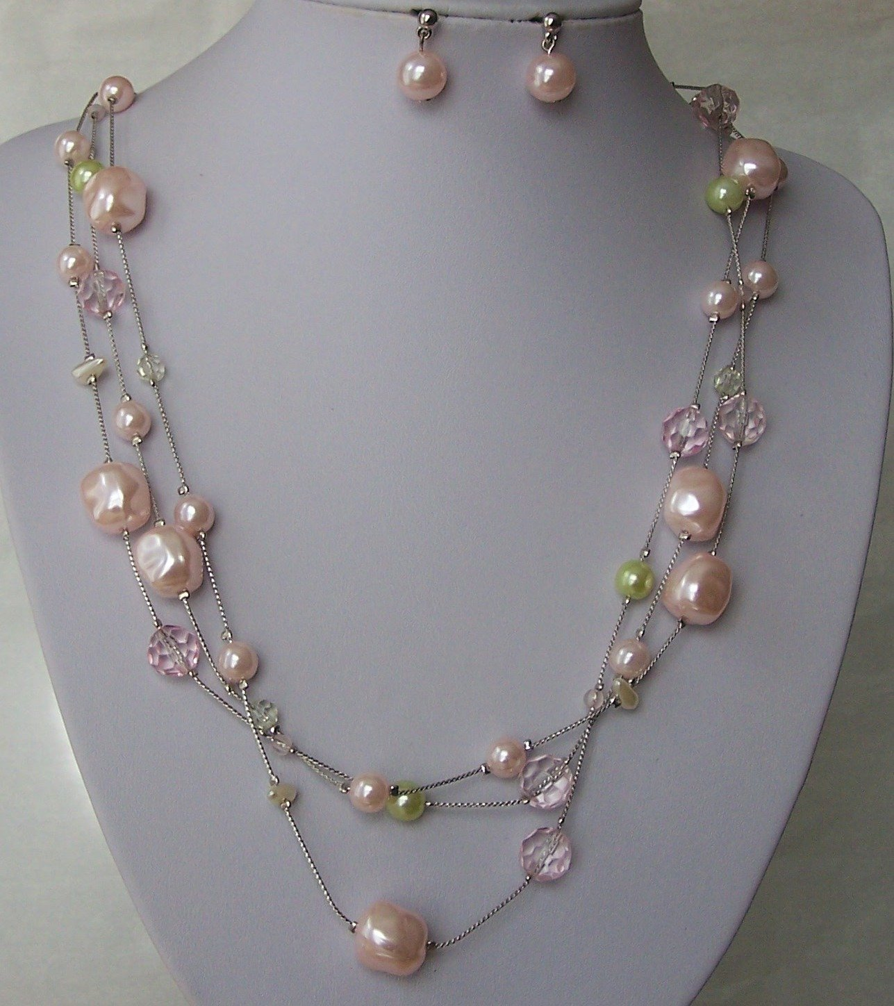 PINK GREEN LONG MULTI STRAND MOTHER OF PEARL GENUINE SHELL NECKLACE SET