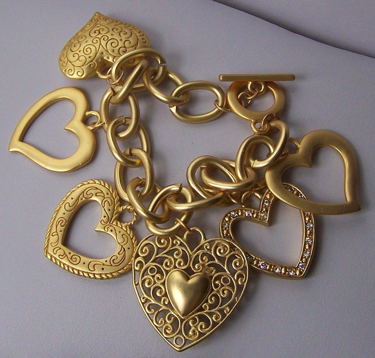 Chunky Filigree Gold Tone Open 3D Heart Love Valentines Day Charm Bracelet