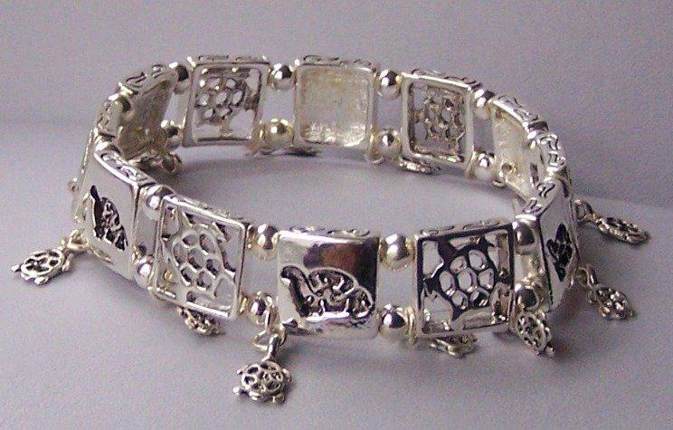 Turtolse Tortoise Charm Bracelet