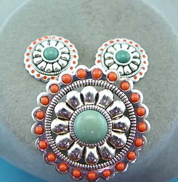 Beaded Southwestern South Western Cowgirl Rodeo Concho Brooch Necklace Pendant Set