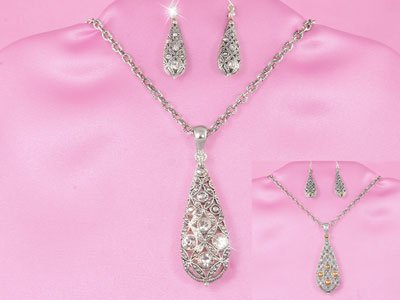 Tear Drop Silver Tone Necklace Set