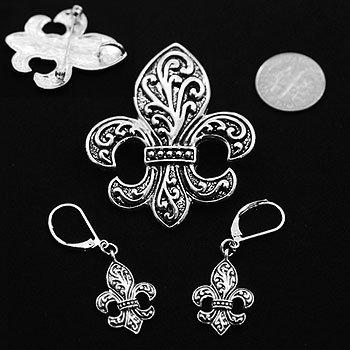 Textured French Fleur De Lis Silver Tone Necklace Pendant Earring Set