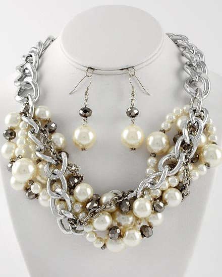 Silver Tone Beige Cream Off White Pearl Metal Necklace Set