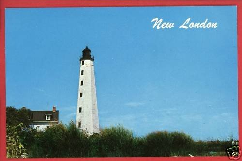 NEW LONDON CT LIGHTHOUSE THAMES RIVER  POSTCARD