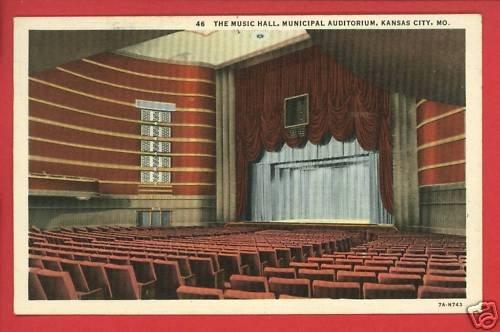KANSAS CITY MO MUSIC HALL MUNICIPAL AUDITORIUM POSTCARD