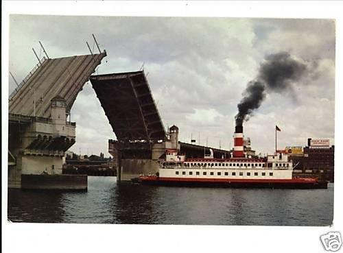 CENTENNIAL QUEEN  STEAM SHIP PORTLAND OREGON POSTCARD