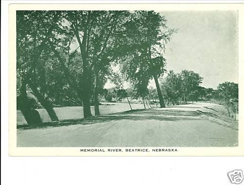 BEATRIC NE MEMORIAL RIVER HESTED STORES POSTCARD