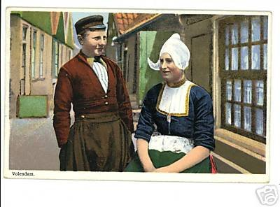 VOLENDAM HOLLAND MAN WOMAN SHOPS VINTAGE POSTCARD