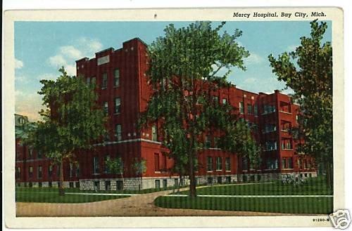 BAY CITY MI MICHIGAN  MERCY HOSPITAL 1950 POSTCARD