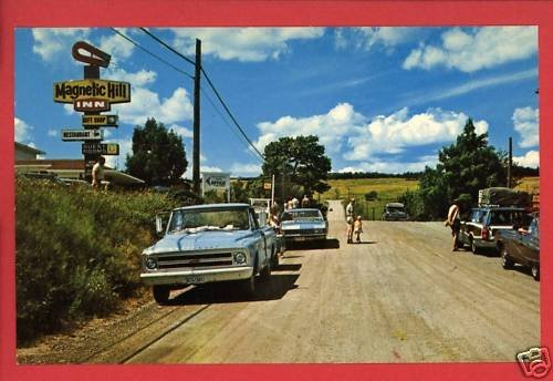 MAGNETIC HILL INN N.B. CANADA OLD CARS TRUCK  POSTCARD