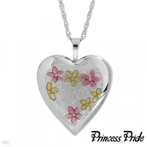 Terrific Brand New Heart Necklace Beautifully Crafted in 925 Sterling silver Length 18in
