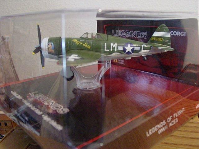 Corgi Diecast 1:72 Scale P-47D Thunderbolt Fighter