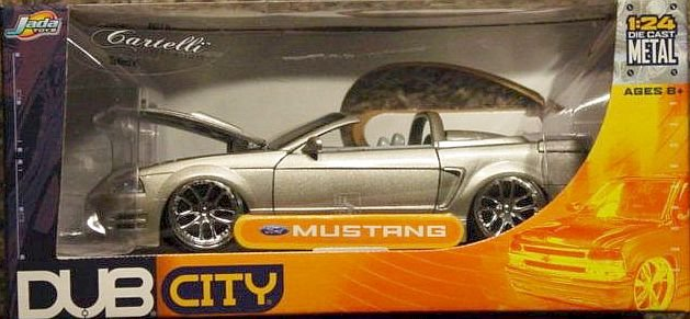 Dub City 1:24 Scale Ford Mustang Convertible