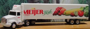 ERTL Collectibles 1:64 WhiteGMC Truck and Trailer