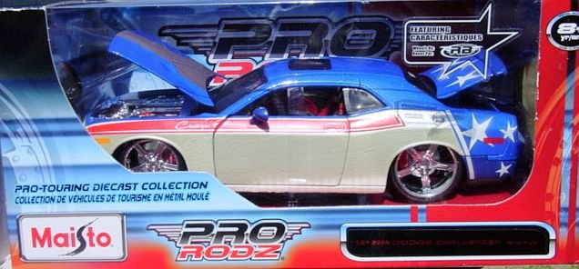 1:24 Scale Maisto Pro Rodz 2008 Dodge Challenger SRT8 Red, White and Blue