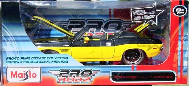 1:24 Scale Maisto Pro Rodz Dodge Challenger R/T Convertible