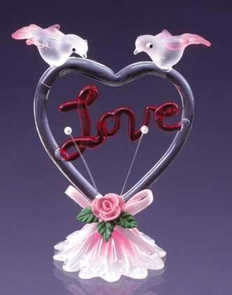 """Glass Sculpture Color """"Love"""" With Heart-Shaped"""