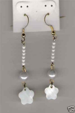 HANDCRAFTED Mother Of Pearl Flower Earrings NEW
