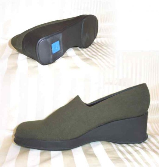 Kenneth Cole Stretch Micro Wedge SlipOns - Total Comfort - Retail $99 - YOUR PRICE $19.99 - Size 10