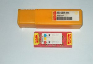 SANDVIK CARBIDE HOLDER SRDCH 2525M 10-A C/W 10 Pieces Carbide Inserts RCMT 10 T3 MO