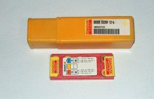 SANDVIK CARBIDE HOLDER SRDCN 2525M 12-A C/W 10 Pieces Carbide Inserts RCMT 12 04 MO