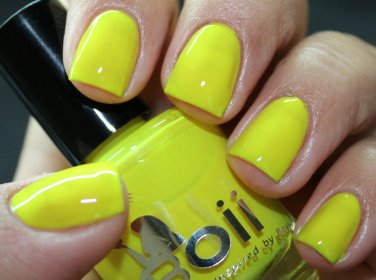neon yellowbird  - Boii Nail polish