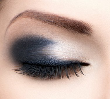 Stormy nights -navy blue eyeshadow - Boii cosmetics