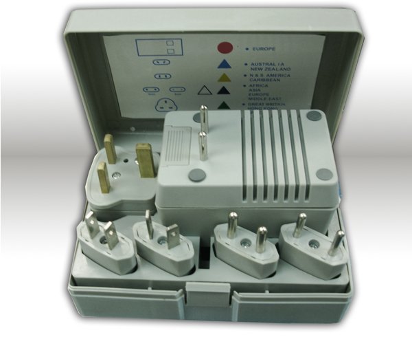 WORLDWIDE FOREIGN VOLTAGE CONVERTER TRAVEL KIT+ADAPTERS