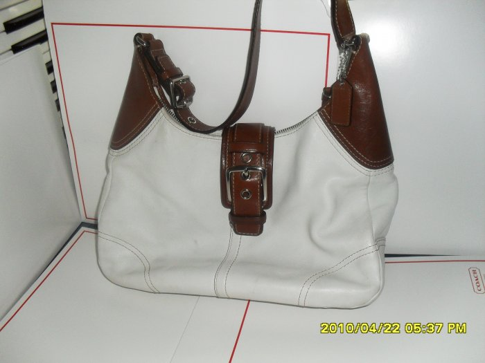 Pre-ownned Coach  Leather  Off-White  & Brown Shoulder Bag  #F11197