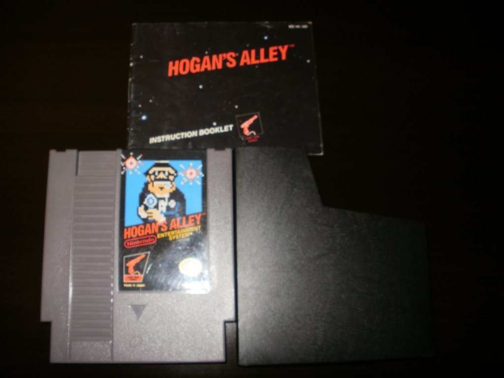 Hogan's Alley  - Nintendo NES - With Manual and Protective Sleeve