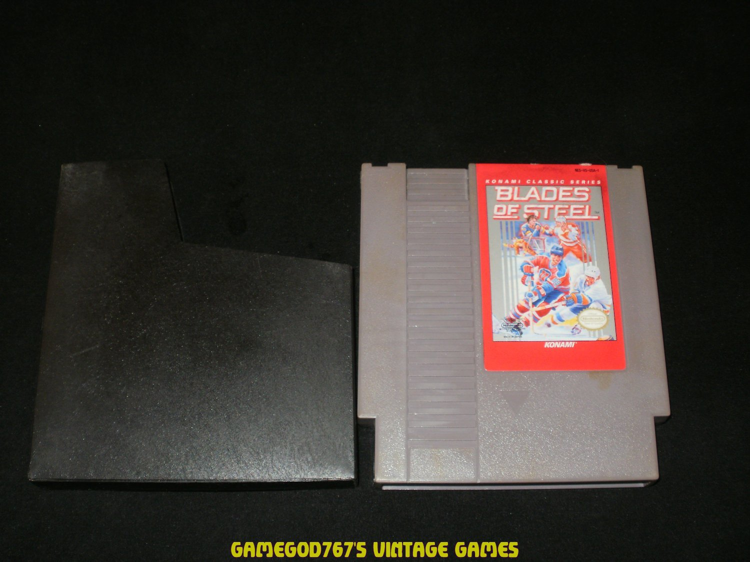 Blades of Steel - Nintendo NES - With Catridge Sleeve - Rare 1993 Red Label Version