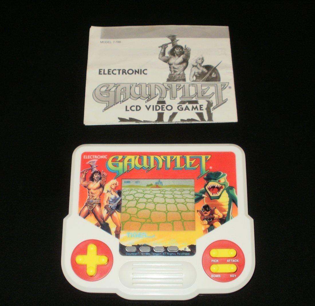 Gauntlet - Vintage Handheld - Tiger Electronics 1988 - With Manual