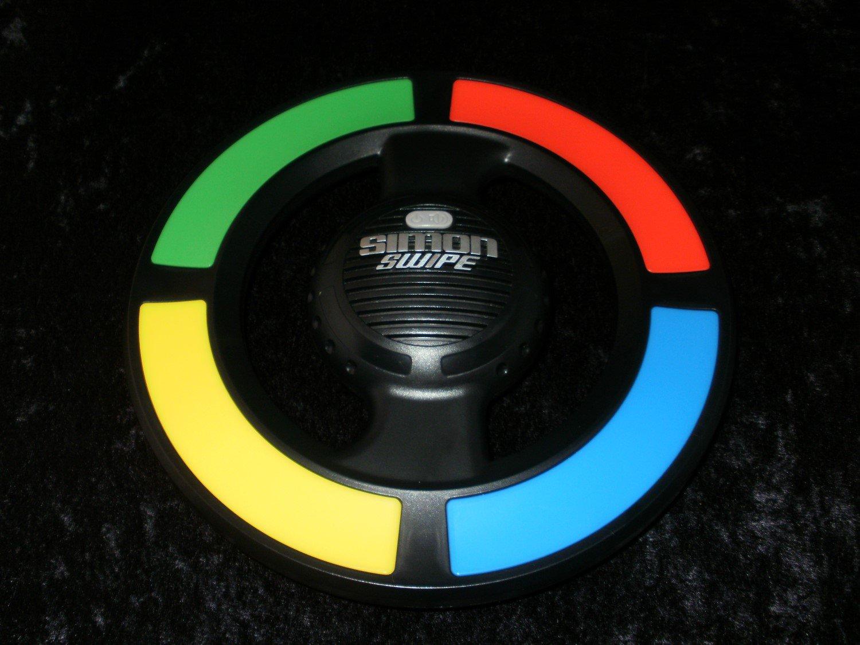 Simon Swipe - Handheld - Hasbro 2013