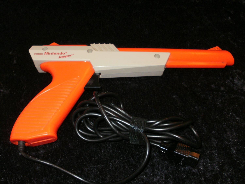 Nintendo Zapper Light Gun - Nintendo NES - Orange