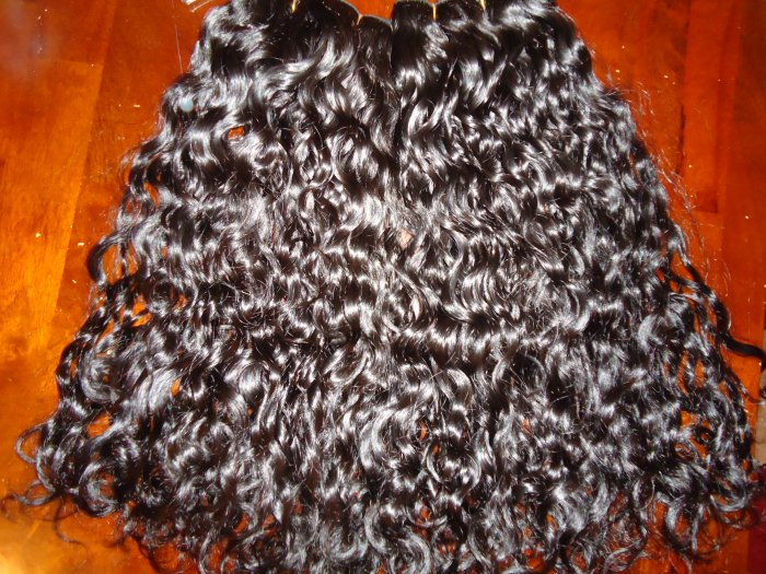 18 inch  CURLY Virgin REMY Hair Weft