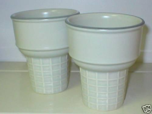 Pfaltzgraff Heirloom Ice Cream Cone Dish NEW 1
