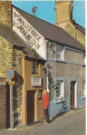 The smallest house in Great Britain - Mauritron Postcard #181