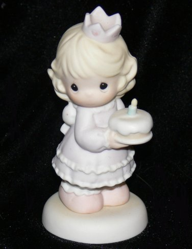Precious Moments 1996 Collectible Figurine BIRTHDAY WISHES WITH HUGS & KISSES #139556