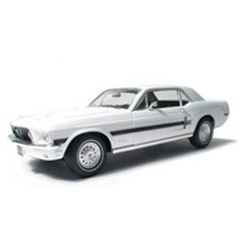 1968 Mustang California Special Wimbledon White 1/18 Car Muscle Car Garage Series By GreenLight