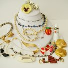 Vintage lot of mixed jewelry  20 Pieces