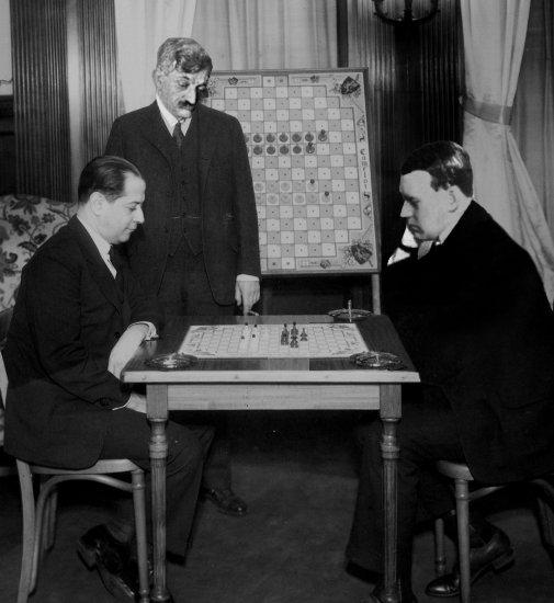 Chess Capablanca Alekhine San Remo Hastings Lot bks