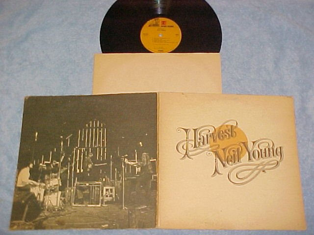 NEIL YOUNG--HARVEST--VG+ 1972 LP--Textured Paper